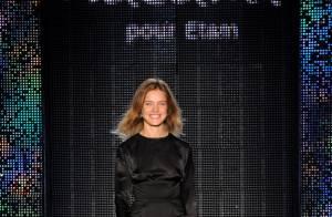 Défilé Etam : Pour Natalia Vodianova et Charlotte Gainsbourg, Hilary Swank, Mélanie Laurent, Romain Duris... sont fans de lingerie !