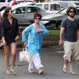 Sharon Osbourne veille sur son fils Jack et sa girlfriend, à Hawaï, janvier 2010 !