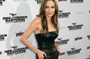 Regardez Angelina Jolie et son frère encore enfants... en hommage à leur mère disparue. Une vidéo rare !