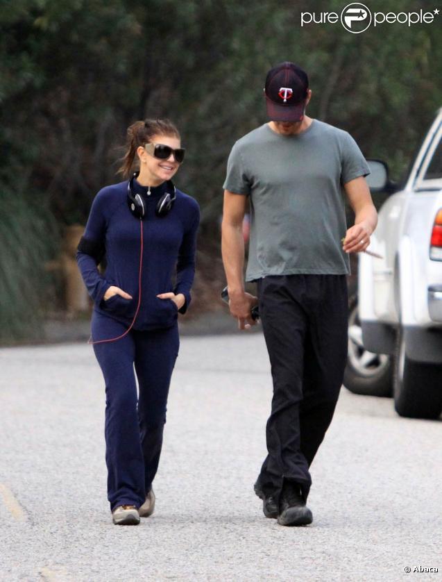 Fergie et Josh Duhamel font un jogging en amoureux près de  leur maison de Brentwood à Los Angeles le 1er février 2010