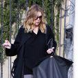 Ellen Pompeo à Los Angeles, sortant de son domicile pour se rendre aux Studios Universal, le 2 février 2010