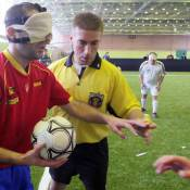 Aveugles, ils jouent au foot comme des dieux !