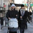 Karolina Kurkova à New York avec son fils Toby et son amoureux Archie, le 9 février 2010.