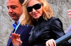 Madonna est dans la tourmente ! Heureusement, Jesus Luz la soutient... de très près !