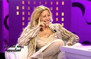 Regardez la déchaînée Loana dévoiler encore sa poitrine et... faire bien pire !