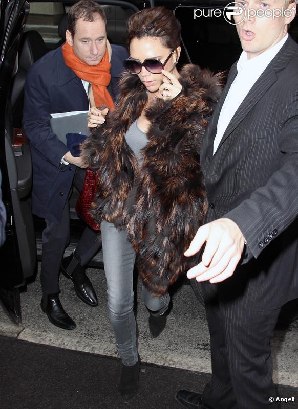 Victoria Beckham en partance pour Los Angeles le 17 février 2010