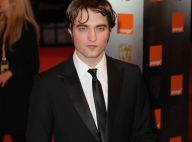 Robert Pattinson et Kristen Stewart : le couple s'est fait surprendre... en pleine séance de bisous !