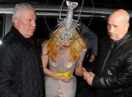 L'incroyable Lady GaGa se fait attaquer... par un homard ! Attention les yeux !