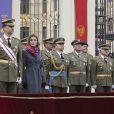 La princesse Letizia et son époux lors d'une cérémonie militaire en Espagne. Le 29 février 2010.