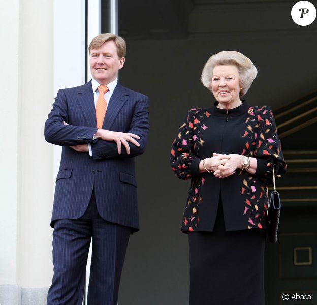 La reine Beatrix des Pays-Bas et son fils Willem-Alexander ont accueilli, le 3 mars 2010, les sportifs néerlandais médaillés à Vancouver à La Haye
