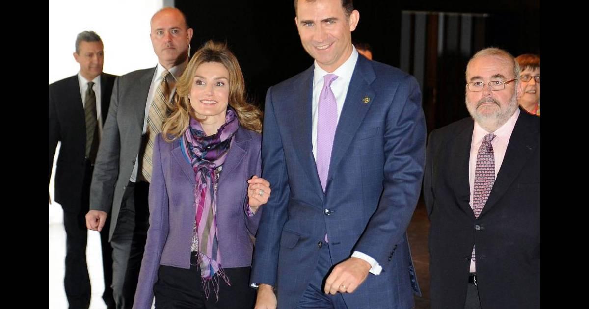 Letizia d 39 espagne et felipe d 39 espagne partiscipent un for Chambre de commerce cannes