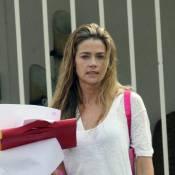 Denise Richards pourrait témoigner contre son ex-mari Charlie Sheen... mais sa petite Lola n'aime pas cette idée !