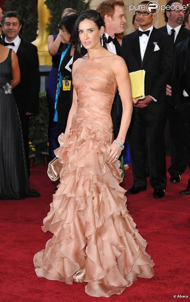 Demi Moore à l'occasion du tapis rouge de la 82e cérémonie des Oscars, au Kodak Theatre de Los Angeles, le 7 mars 2010.