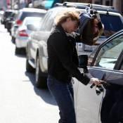 Quand Jodie Foster est d'humeur fracassante... elle joue à cache-cache avec les paparazzi !