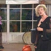 La Ferme Célébrités en Afrique : Regardez Claudette se prendre pour Céline Dion, et Surya jouer les filles de joie... dans un show endiablé !