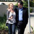 Julie Benz de Dexter et Desperate Housewives se promène avec son ami à Los Angeles le 20 mars 2010
