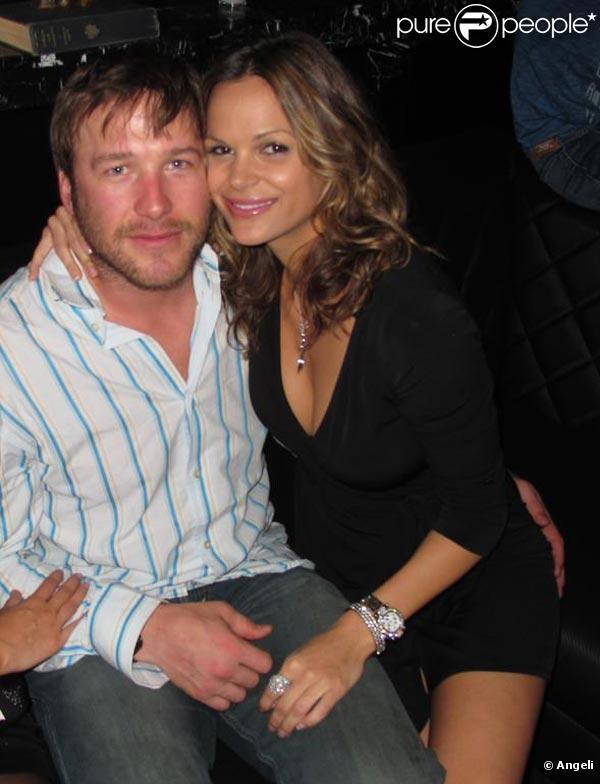 Le mythique Bode Miller, en très charmante compagnie avec Goloka Bolte, à l'occasion des 15 ans des maillots de bain de la marque Victoria's Secret, à Beverly Hills, Los Angeles, en mars 2010.