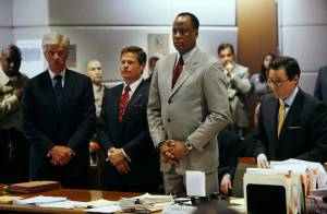 Le docteur Conrad Murray a toujours le droit d'exercer et porte la faute sur Michael Jackson !