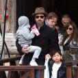 """""""Angelina Jolie, Brad Pitt et leurs enfants """""""