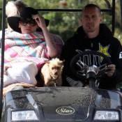 Pink et Carey Hart : Dans leur voiturette de golf, ils nous offrent une belle leçon de style... ou pas !