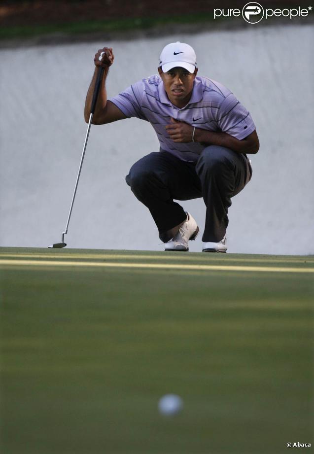 Masters d'Augusta 2010 : Tiger Woods finit 4e pour sa rentrée et décide faire une nouvelle pause, Phil Mickelson s'impose et retrouve le sourire après une année marquée par les cancers de sa femme et de sa mère
