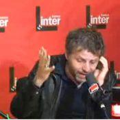 Stéphane Guillon crée encore le buzz : il a rêvé le crash de l'avion... de Sarkozy !