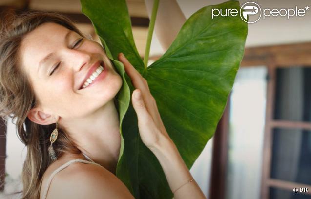 Le top model Gisele Bündchen dans la pub Sejaa Pure Skincare