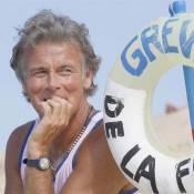 Le campeur Franck Dubosc plante sa tente dans le chapeau de l'exploratrice Louise Bourgoin !