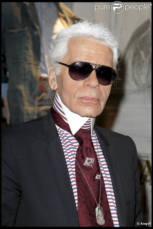 Karl Lagerfeld fait voir la vie en noir à sa muse Baptiste Giabiconi ... c45bb1c0d1dc