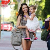 Jessica Alba est aux anges avec sa fille qui fait décidément tout... pour se faire remarquer !