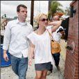 Britney Spears fait du shopping du Robertson Boulevard, à Beverly Hills, lundi 10 mai.