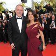 Salma Hayek et son mari François-Henri Pinault lors de la première du film Robin Hood de Ridley Scott, à l'occasion du 63ème Festival de Cannes, le 12 mai 2010