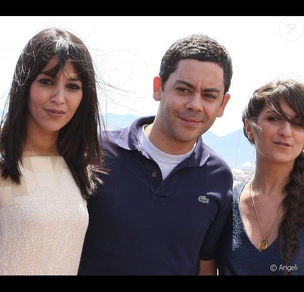 Leïla Bekhti, Géraldine Nakache et Manu Payet au photocall de Tout ce qui brille, lors du Festival de Cannes, le 16 mai 2010