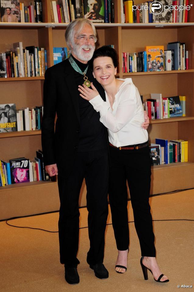 Michael Haneke  aux côtés de Juliette Binoche lors du festival de Cannes le 16 mai 2010