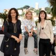 Julie Bertuccelli, Morgana Davis et Charlotte Gainsbourg, lors du photocall du film The Tree (L'Arbre) durant le festival de Cannes le 23 mai 2010