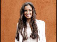 Roland-Garros 2010 - Malika Ménard, sublime, pendant qu'une pluie d'amour envahit les gradins !