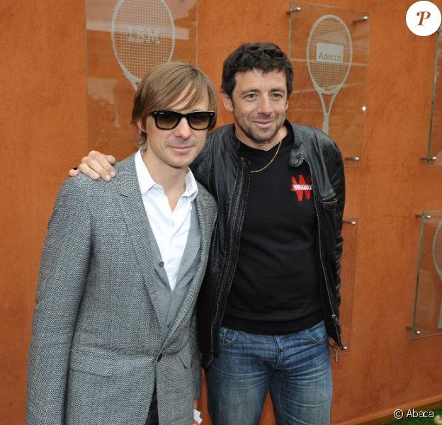 Martin Solveig et Patrick Bruel durant le tournoi des internationaux de Tennis de Roland-Garros le 1er juin 2010