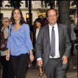 François Hollande et sa fille au Théâtre du Rond-Point. 7/06/2010