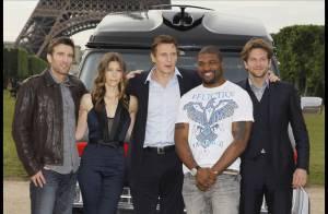Reportage exclusif : Regardez Jessica Biel, Bradley Cooper et Liam Neeson s'inviter sur le Champ de Mars !