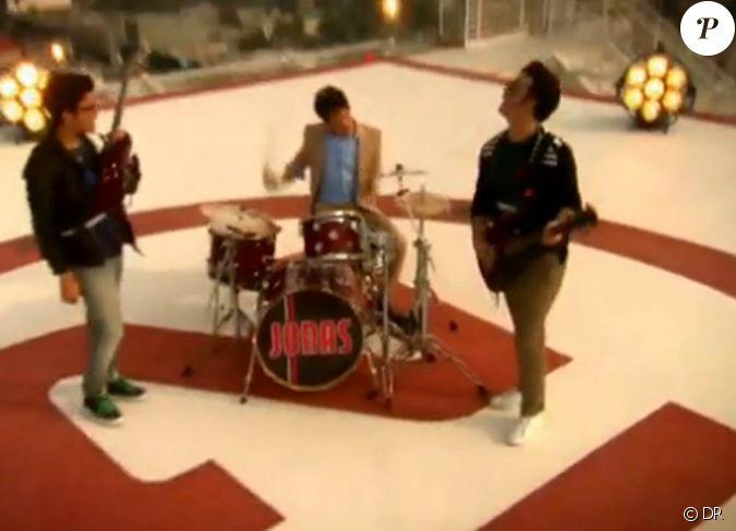 Jonas Brothers - SOS - Regarde la vido ! - Jeux 2 Filles