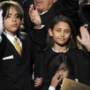 Michael Jackson - Un an après sa mort, ses enfants affrontent désormais la vie à visage découvert !
