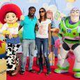 Pegguy Luyindula et sa compagne à l'occasion de l'avant-première de  Toy Story 3 , au Gaumont du Disney Village, à Marne-la-Vallée, le 26 juin 2010.