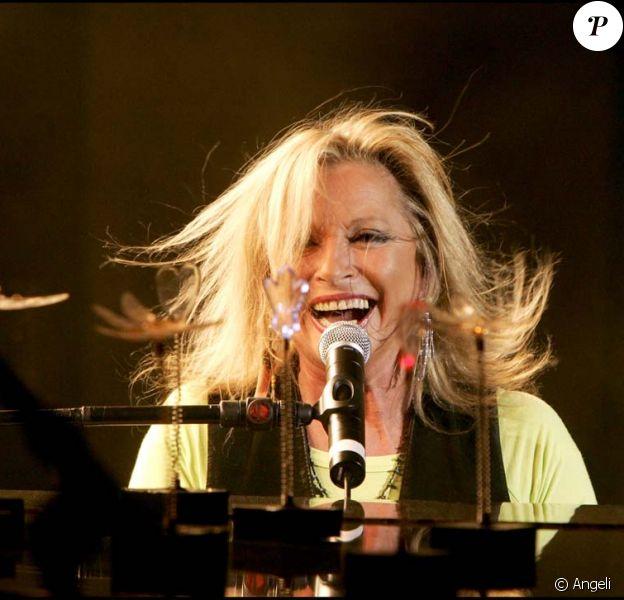 Véronique Sanson reivent le 25 octobre avec l'album Plusieurs Lunes