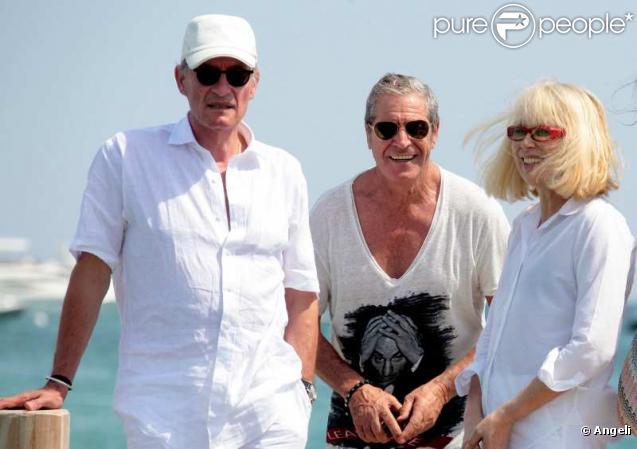 Mireille Darc, Pascal Desprez, Jean-Claude Darmon et Hoda Roche à Saint-Tropez. Juillet 2010