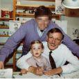John enfant avec son papa et son grand-père Peyo !