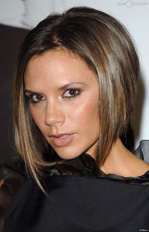 Populaire Victoria Beckham : Adepte du changement de coiffure, elle est  JL26