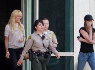 Lindsay Lohan : Pendant que sa famille lui rend visite en prison, ses amies sèment la panique !