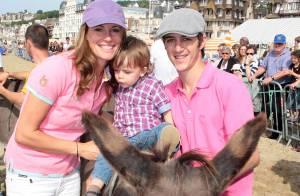 Sophie Thalmann et Christophe Soumillon à dos d'âne avec leur adorable bout d'chou !