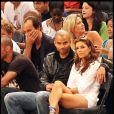 Eva Longoria et Tony Parker assistent au match de basket opposant les Etats-Unis à la France à New York le 15 août 2010