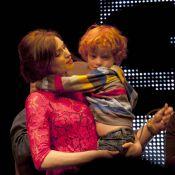 Sophie Ellis-Bextor fait monter son adorable fils sur scène !